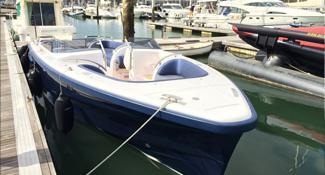 Custom made fender system for superyacht tender 1318 9.6 SL Landau, by Pascoe International