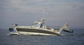 Projects-2016-06-workboat-fenders-DeHaas-Seagull-02.JPG