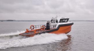 Projects-2016-06-workboat-fenders-Palfinger.jpg