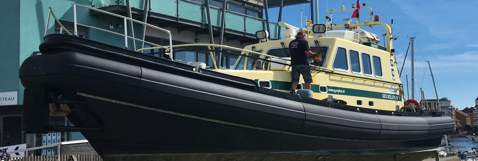 Projects-2016-08-Workboat-fenders-Geoplus-GeoSolution-slider.jpg